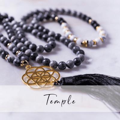 Halsbandet Temple ett Yogasmycke